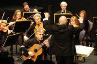 Maestro Stephen Simon Conducts the Simon Sinfonietta with Soloist Benjamin Verdery February 18 (2)