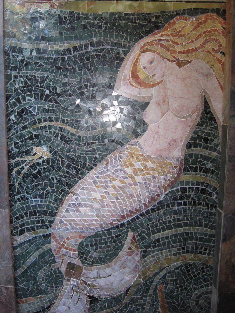 Laura Baksa Mermaid Installed DETAIL 2